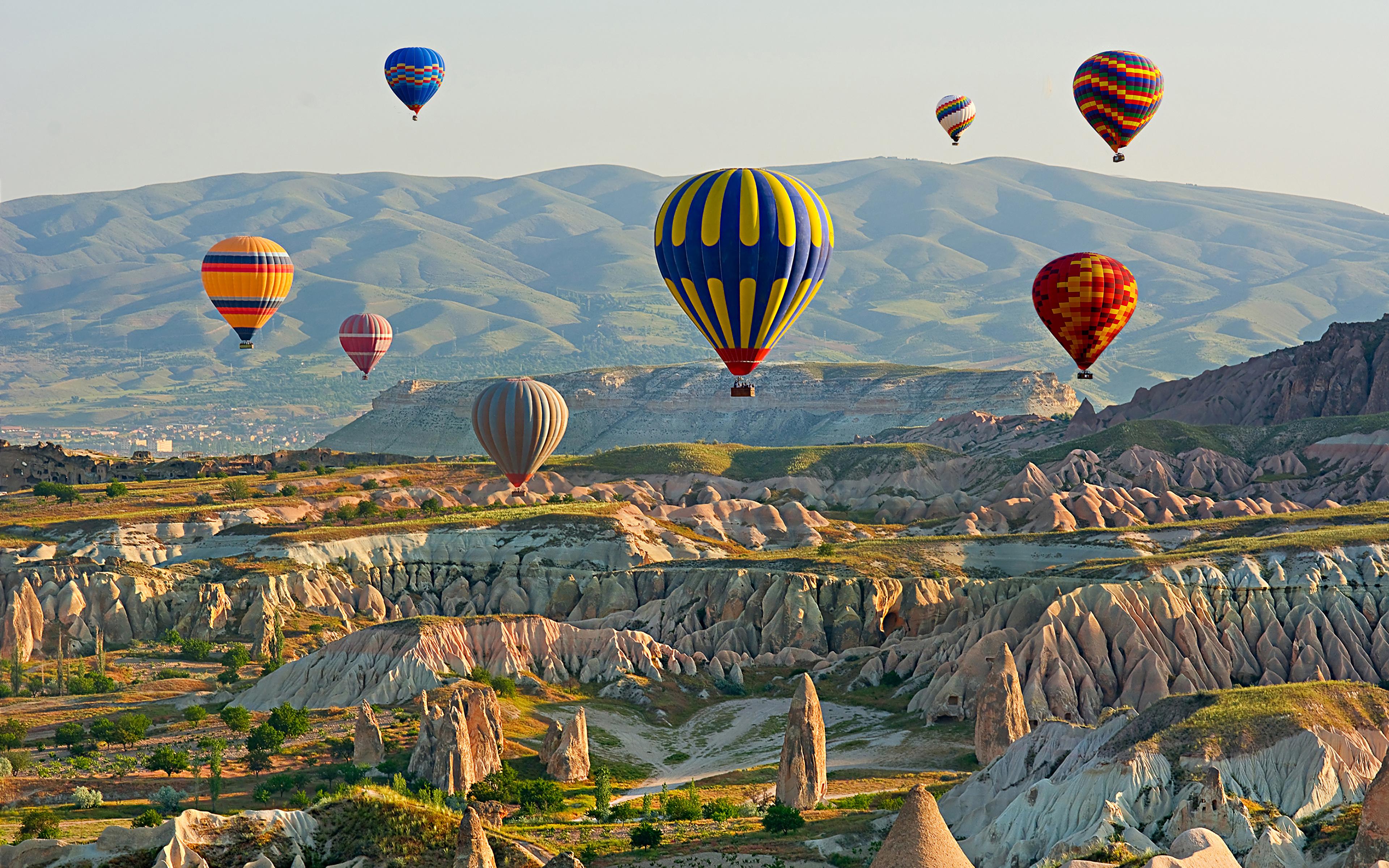 Turkey_Cappadocia_Hill_Aerostat_530674_3840x2400